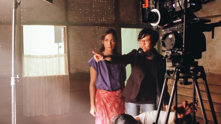 Mouly Surya directing actor Marsha Timothy
